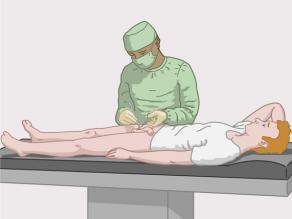 Mjeku duke kryer sterilizim te një burrë